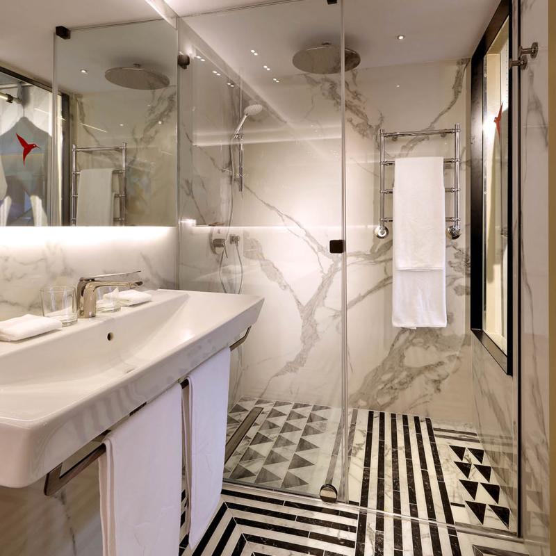 Ascale by Tau łazienka spiek kwarcowy Torano Statuario